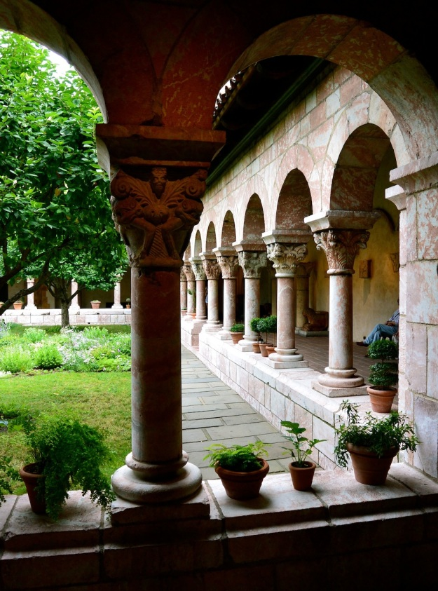 TheCloister2